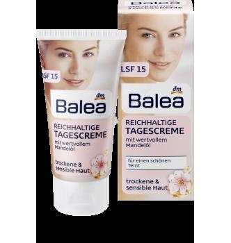 Купить Дневной крем с маслом миндаля для сухой и чувствительной кожи лица Balea Reichhaltige Tagescreme - с доставкой по Украине